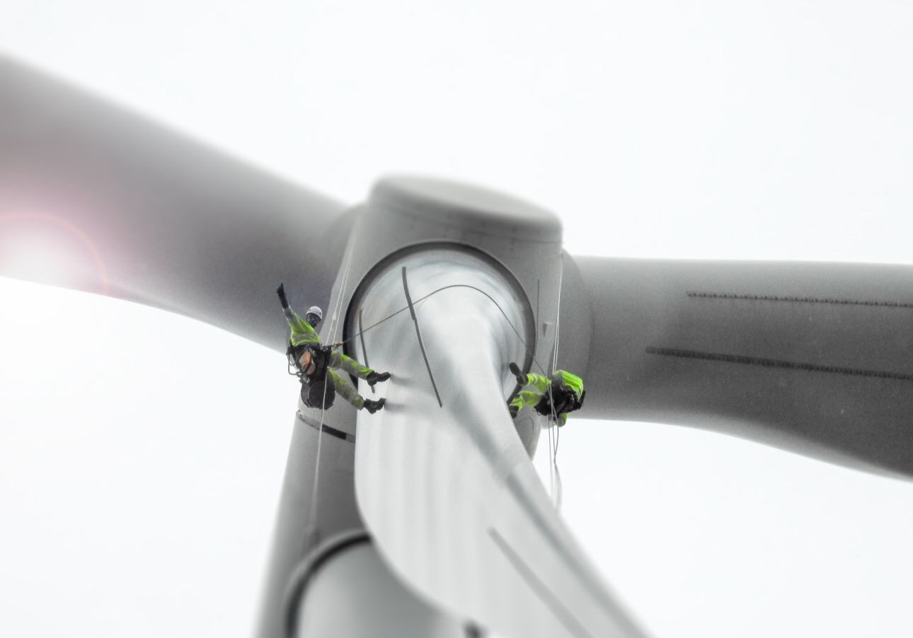 traditional wind turbine inspection vs drone inspection
